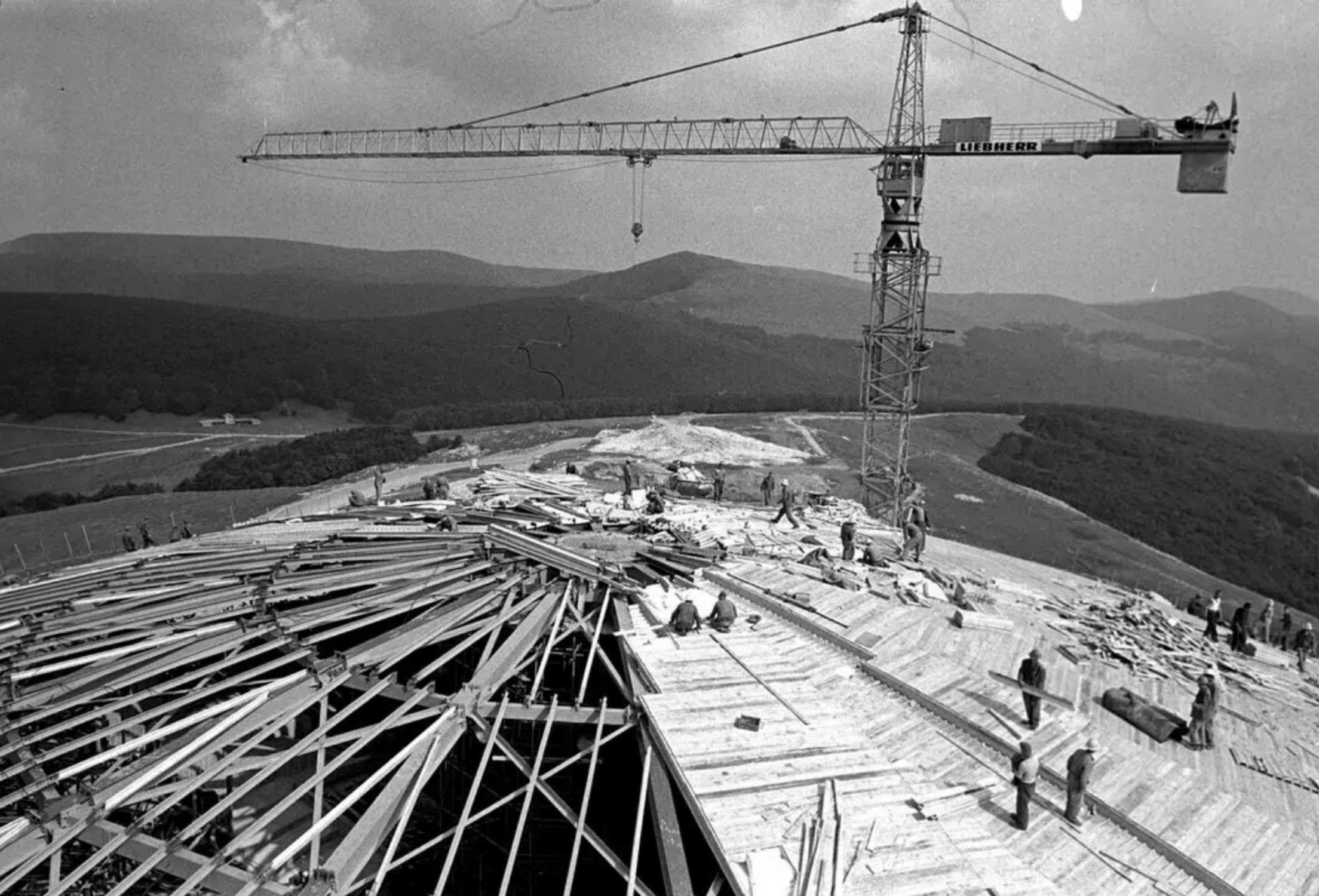 The construction of the dome.
